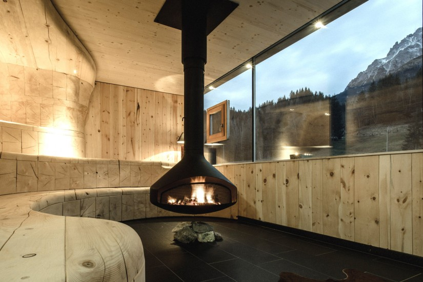 Nichts, außer purer Stille, Feuer und einem Wahnsinnsblick auf die Leoganger Steinberge