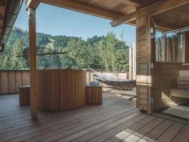 Hotelzimmer thresls one & only: eigene Dachterrasse mit privatem Hotpot, eigener Außensauna und grenzenloser Freiheit